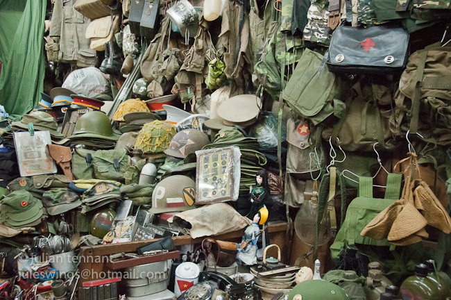 "Revisiting Vietnam's infamous Dan Sinh ""War Surplus"" Market | JULESWINGS"