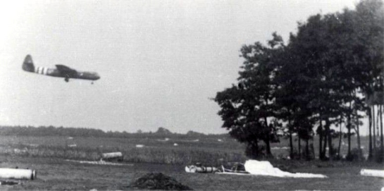 Horsa Glider carrying Polish troops of the Polish 1st Independent Parachute Brigade (Gen-Maj. Stanislaw Sosabowski) landing on the Wolfheze landing zone.
