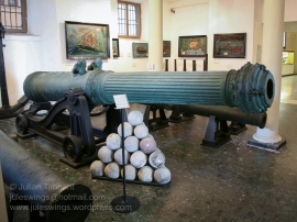 Tuscan galley 90 Pounder Culverin mid-deck gun, made by Cosimo Cenni in 1643.