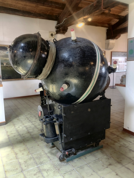 F3 (Pignone) anti submarine mine, circa 1940. Sold by the Italians to the Swedish Navy, this mine contained 200kg of explosives and used exclusively in anti-submarine operations. It was fitted with 35 meter long antennae which would detonate the mine upon contact.
