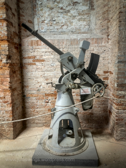 Italian machine gun used in an anti-aircraft role during WW2. Not sure of the make or model.