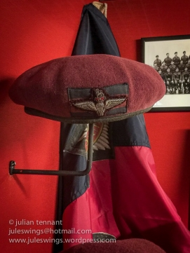 Officers beret of the Guards Independent Parachute Company.