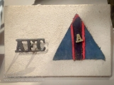 Australian Flying Corps shoulder title and colour patch. The small 'A' on the patch indicates that the owner had participated in the Gallipoli campaign. Photo: Julian Tennant