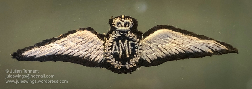 First pattern Australian Flying Corps pilots badge, authorised by M.O. 801/1915 on 21st December 1915 and often referred to as the AMF (Australian Military Forces) wing. Photo: Julian Tennant