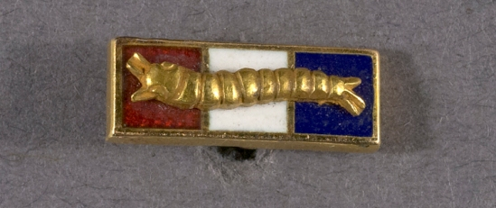 Pioneer Parachute Co. Inc. Caterpillar Club membership badge. Collection: Smithsonian National Air and Space Museum.