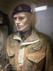 Canadian Parachute Battalion soldier wearing the 2nd pattern Dennison smock and Canadian parachutist qualification wings. Photo: Julian Tennant