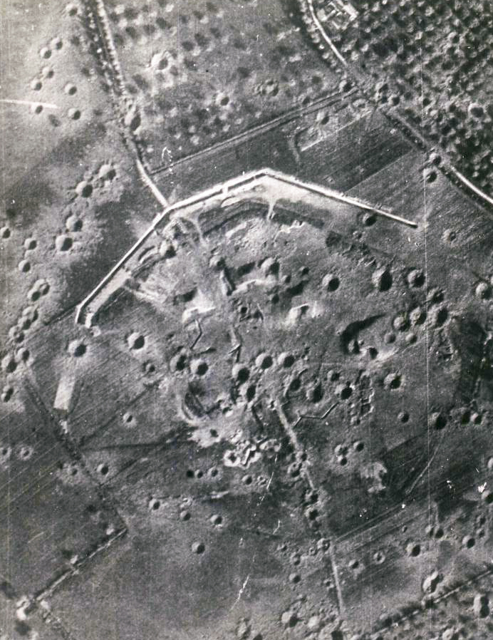 merville battery aerial photo may 1944-01