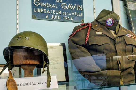 """Helmet and uniform of General James Maurice """"Jumpin' Jim"""" Gavin, who was the assistant division commander of the 82nd Airborne Division on D-Day. He later went on to command the division. Photo: Julian Tennant"""