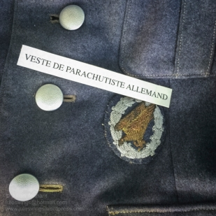 Uniform detail featuring a bullion German Fallschirmjäger parachutist qualification badge. Photo: Julian Tennant