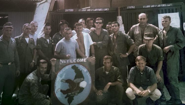 Saigon Parachute Club 1967 - Photo: Hector Aponte