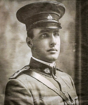 Lieutenant Mordaunt Reid of the Goldifields Infantry Regiment prior to the outbreak of the First World War. When the war broke out he enlisted and was posted to the 11th Battalion and was killed on the first day of the landings at Galipolli, 25 April 1915.