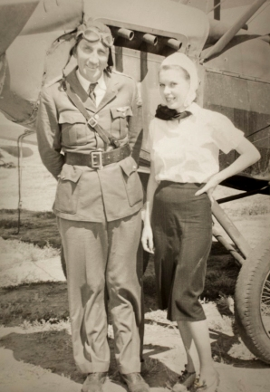 Birdie Draper and her co-performer, Captain F. F. (Bowser) Frakes.. Image courtesy the San Diego Air and Space Museum's Library & Archives