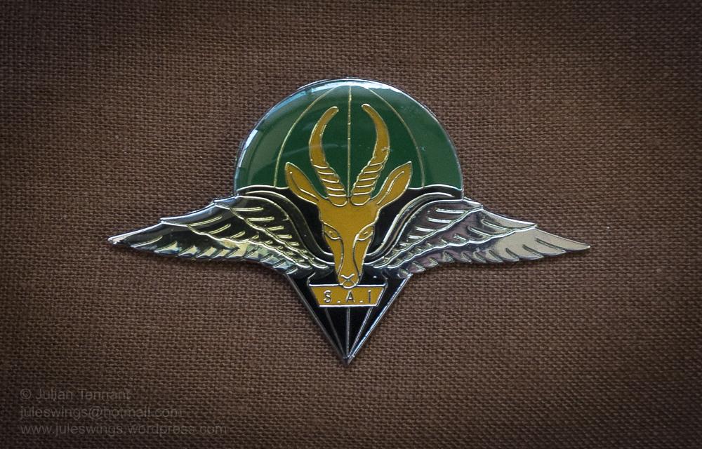 parabat juleswings collection FAKE beret badge-01