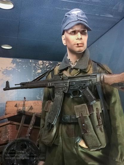 6 Overloon Oorlogsmuseum Fallschirmjäger collection 1944-5-5
