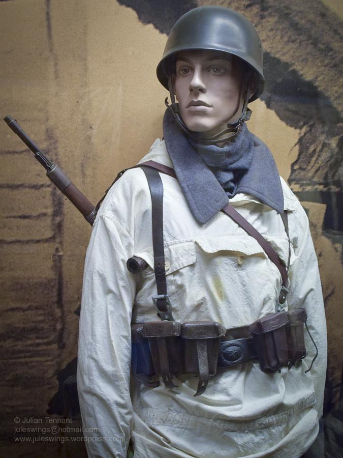 8 Overloon Oorlogsmuseum Fallschirmjäger collection Eastern Front Winter-10