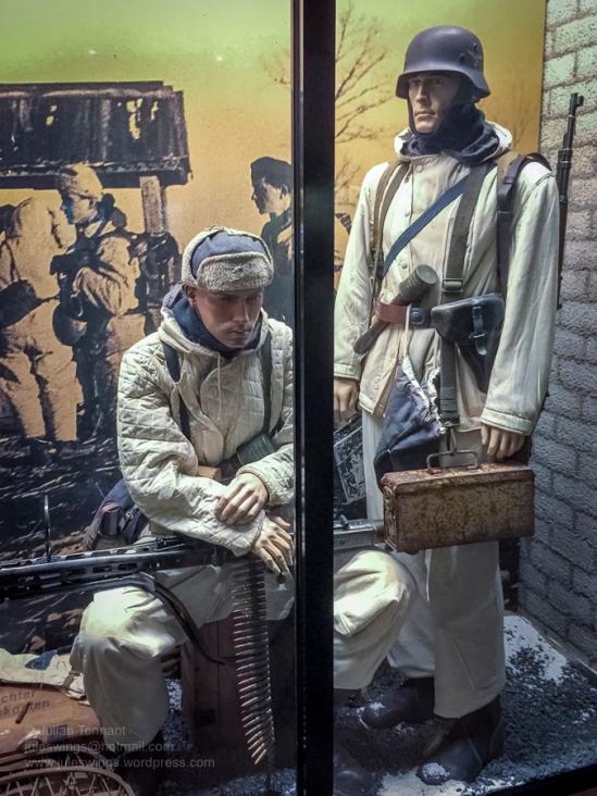 8 Overloon Oorlogsmuseum Fallschirmjäger collection Eastern Front Winter-6