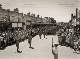 Troops of the 25th Australian Cavalry Regiment (AIF) approach the saluting base during a march past of the 2nd Australian Division on Marine Terrace in Geraldton on 17 April 1943. Australian War Memorial Accession Number: 051529